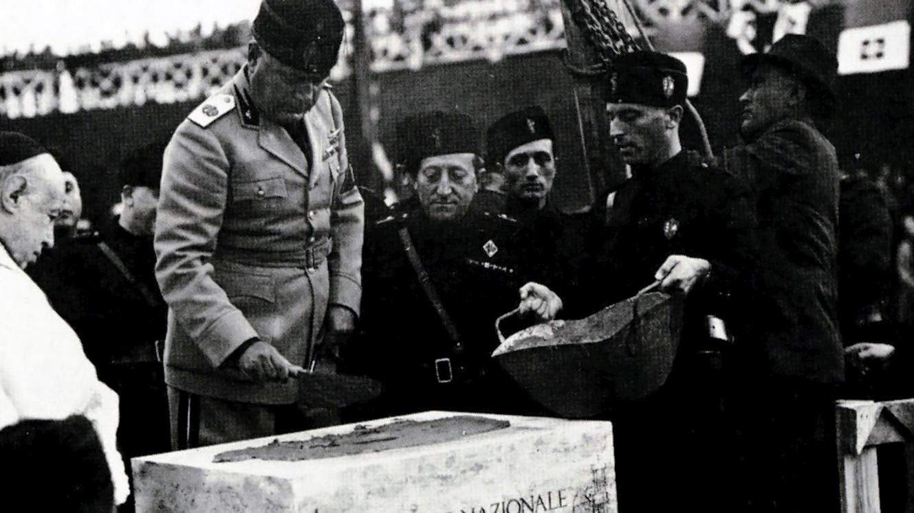 Seconda sede dell'Istituto Luce, Mussolini alla posa della prima dell'edificio, 1937