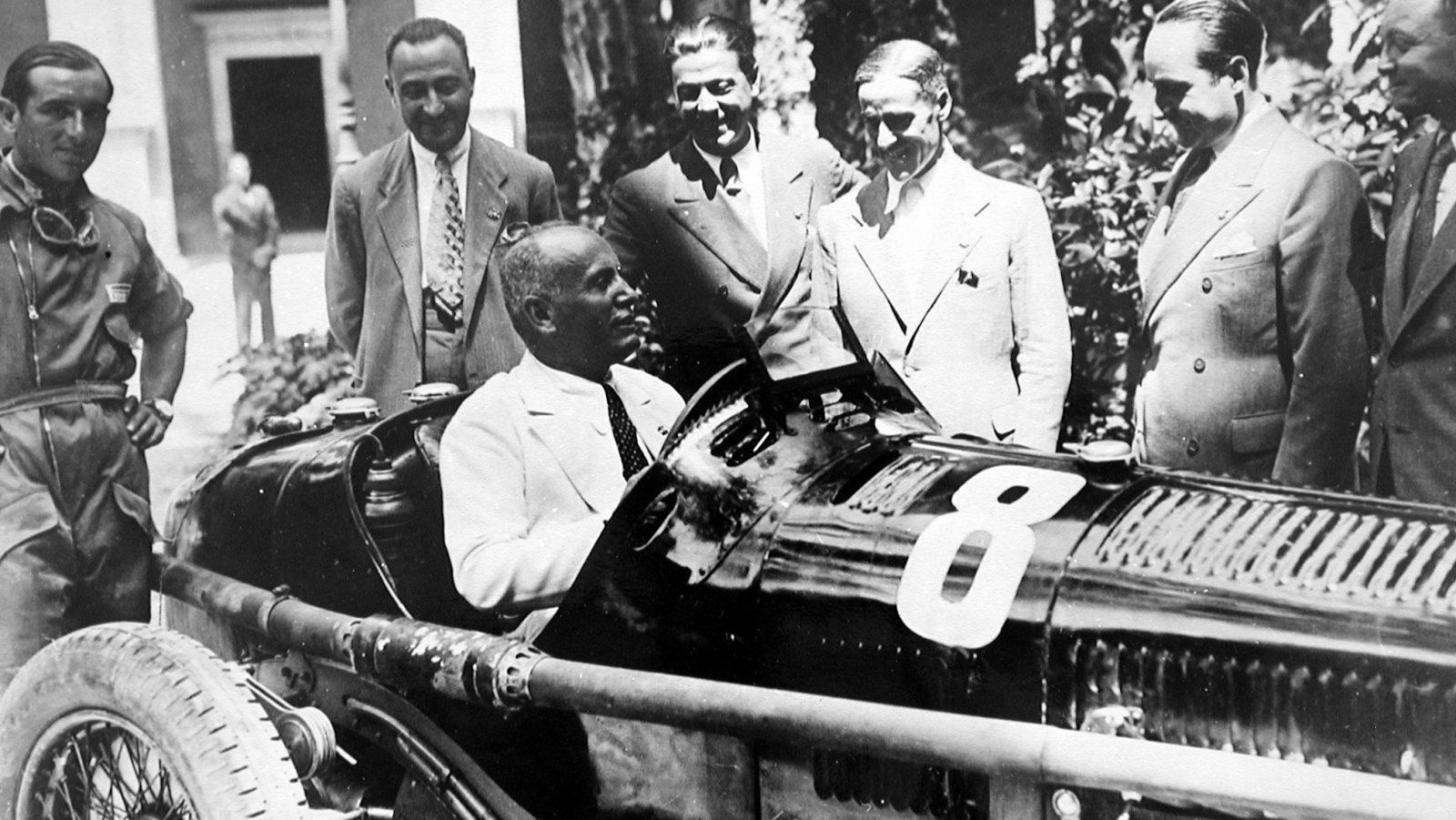 Mussolini al volante dell'Alfa Romeo P3 di Tazio Nuvolari nel 1932