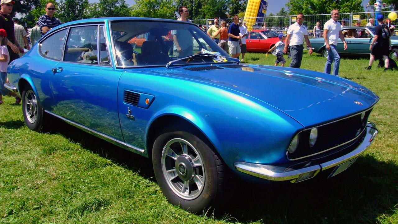 Fiat Dino Coupé, con carrozzeria disegnata da Bertone