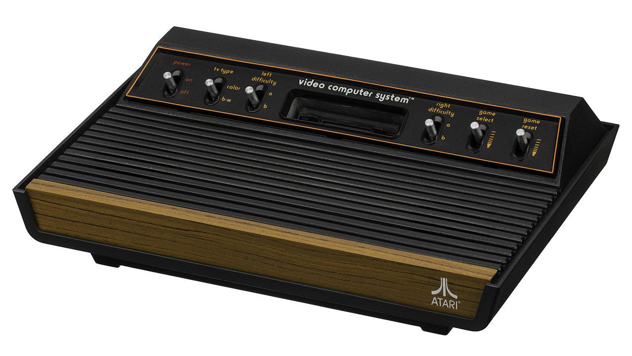 Si diffondono le prime console: è del 1977 la Atari-2600-Light-Sixer-FL