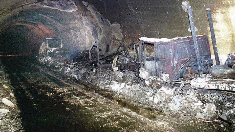 L'incendionelTraforodelMonte Biancodel 24 marzo 1999(fonte: Ansa, La strada racconta, 2018)