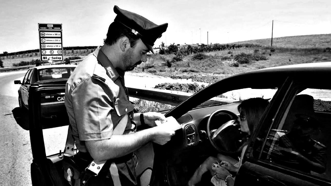 Dopo oltre 30 anni, il 30 april1992 viene approvato il nuovo codice della strada, che entra in vigore l'1 gennaio '93 (fonte: Ansa, La strada racconta, 2018)