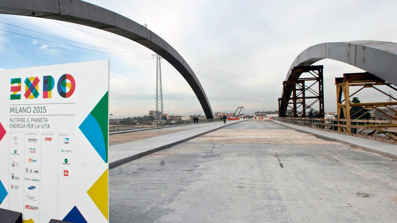 Cantiere per la viabilità area EXPO 2015 (fonte: Imagoeconomica)