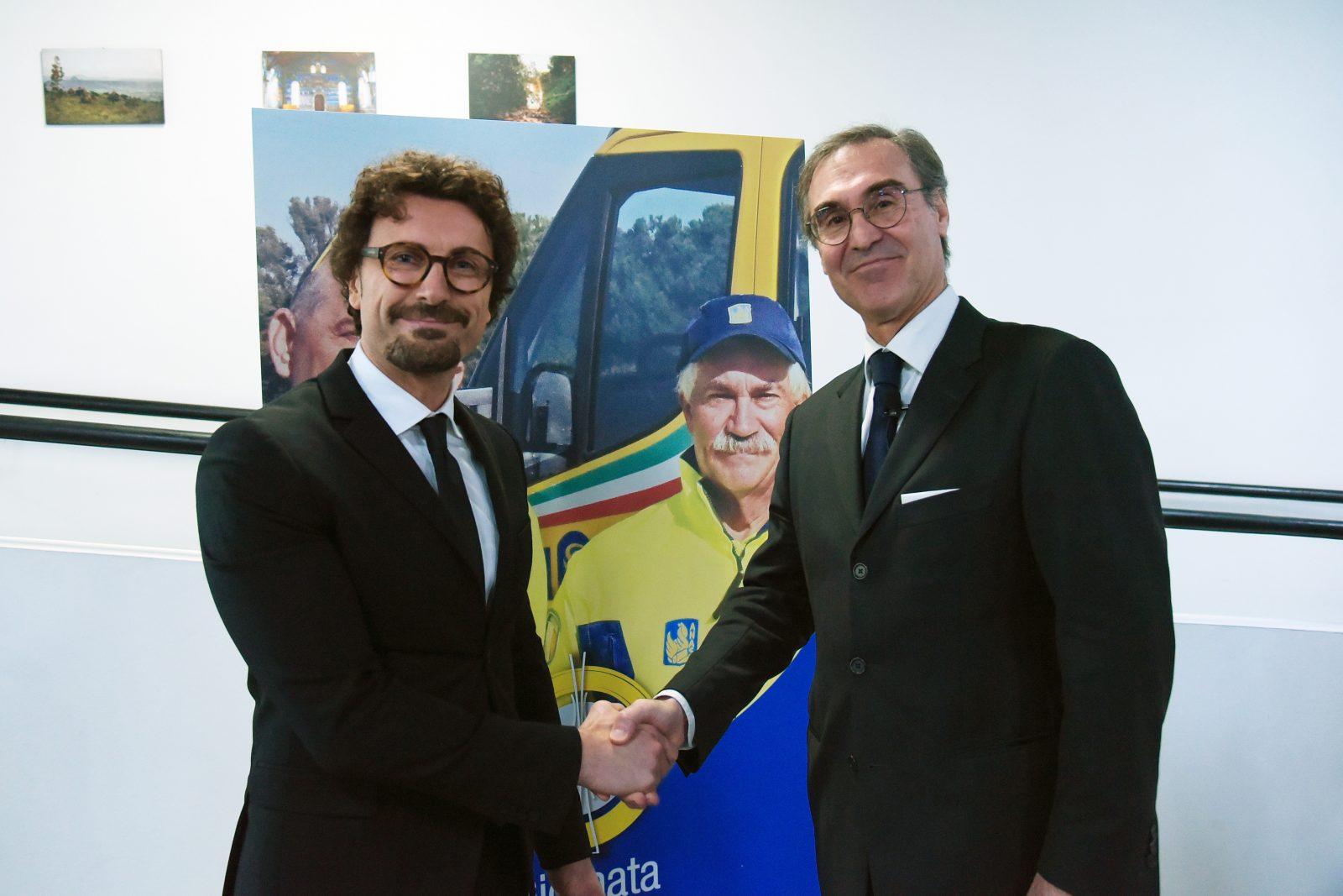 Il ministro delle Infrastrutture e dei Trasporti, Danilo Toninelli, con l'ad Anas Massimo Simonini (Archivio Anas, gennaio 2019)