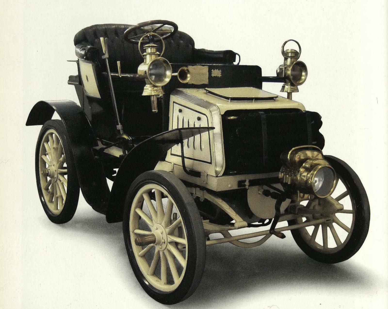 """FIAT modello 8HP, 1901 (fonte: ACI, """"Automobile Club Torino: centodieci anni di emozioni"""")"""