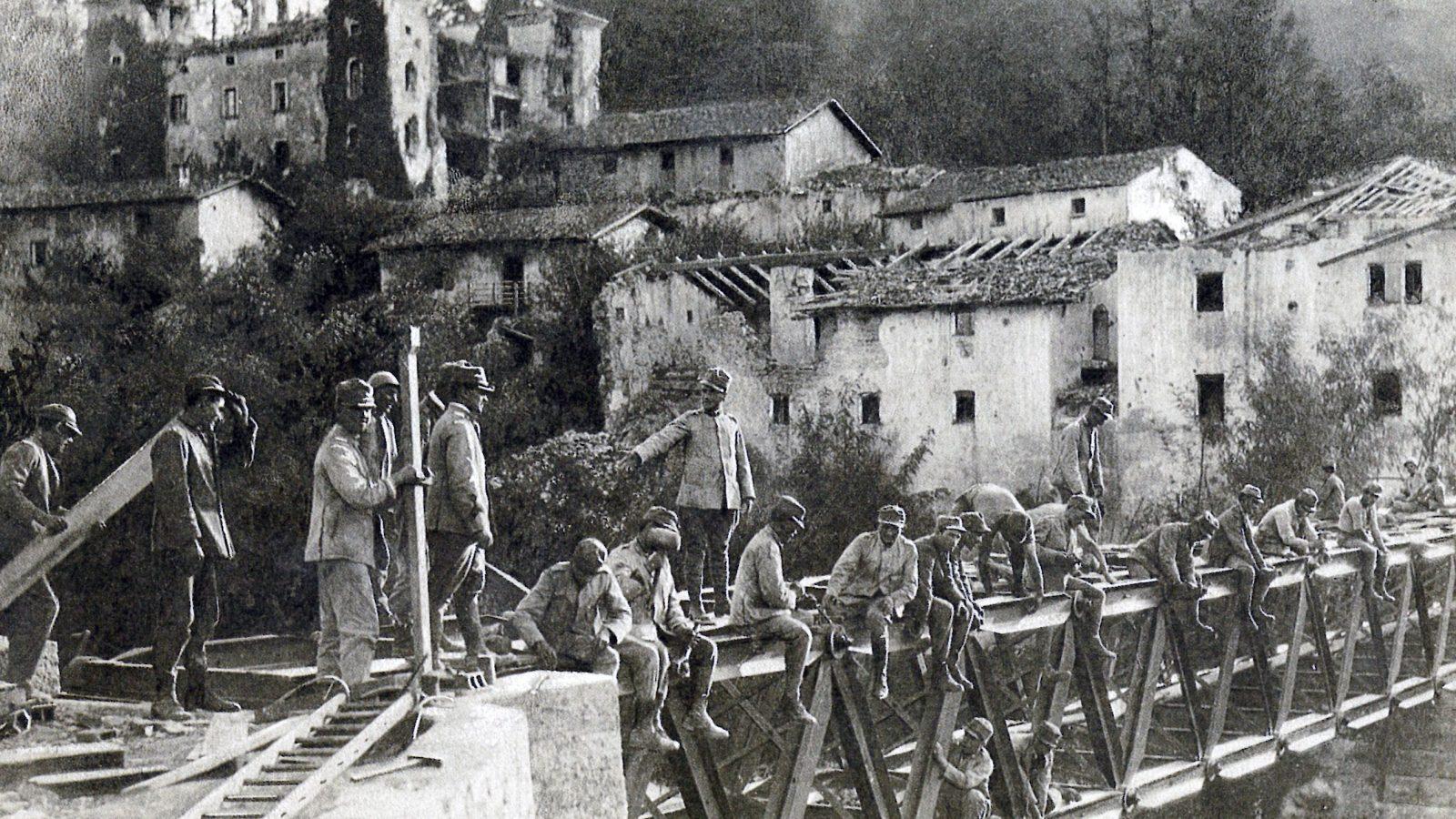 """La ricostruzione dopo la prima guerra mondiale [fonte: """"Roads in Italy from Unification to the present (1861-1987)"""", 1987]"""