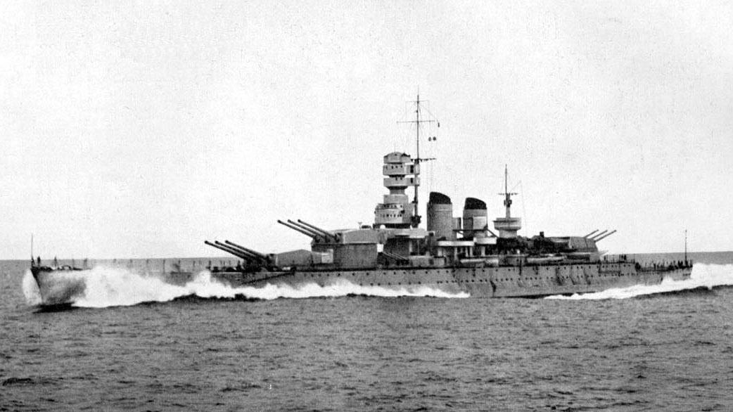 """La nave da battaglia """"Littorio"""" era equipaggiata con 4 turbine tipoBelluzzo/Parsons"""