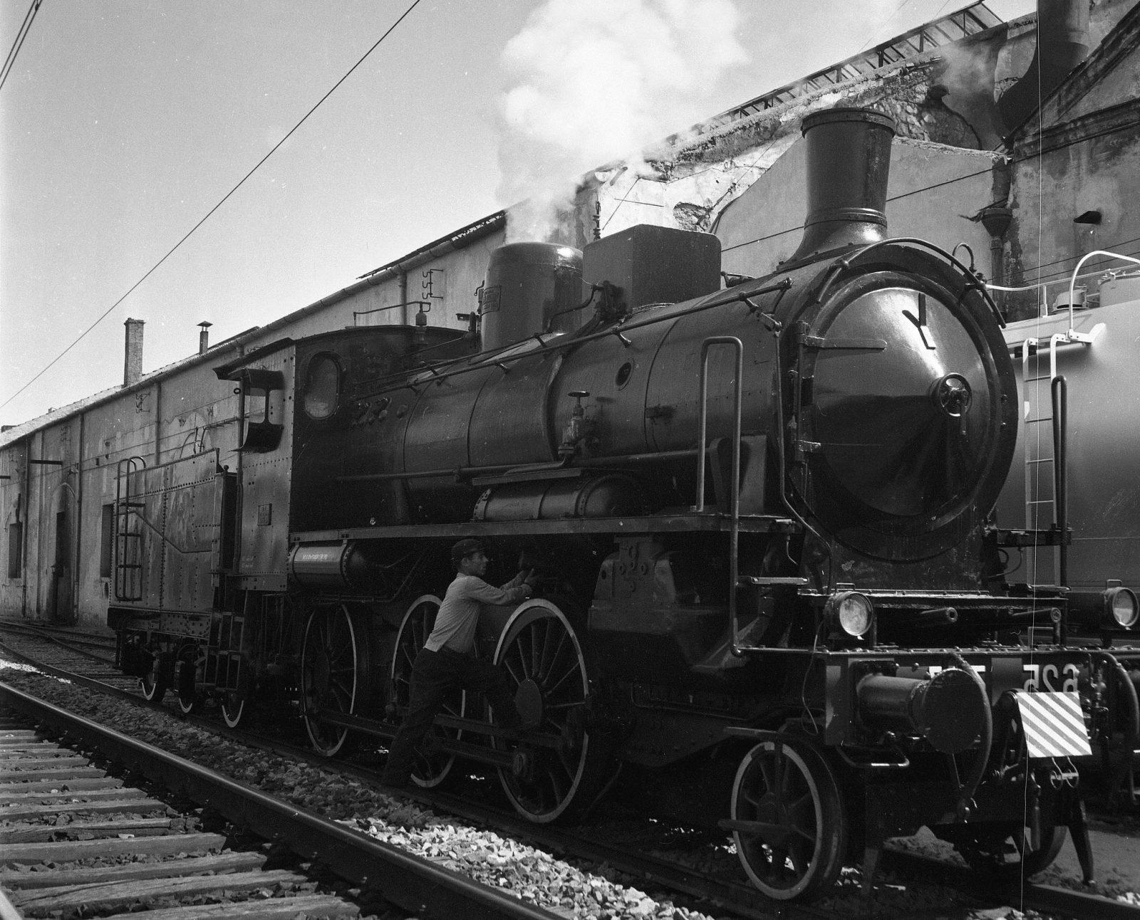 Locomotive a vapore del gruppo 625 (fonte: Ferrovie dello Stato Italiane)