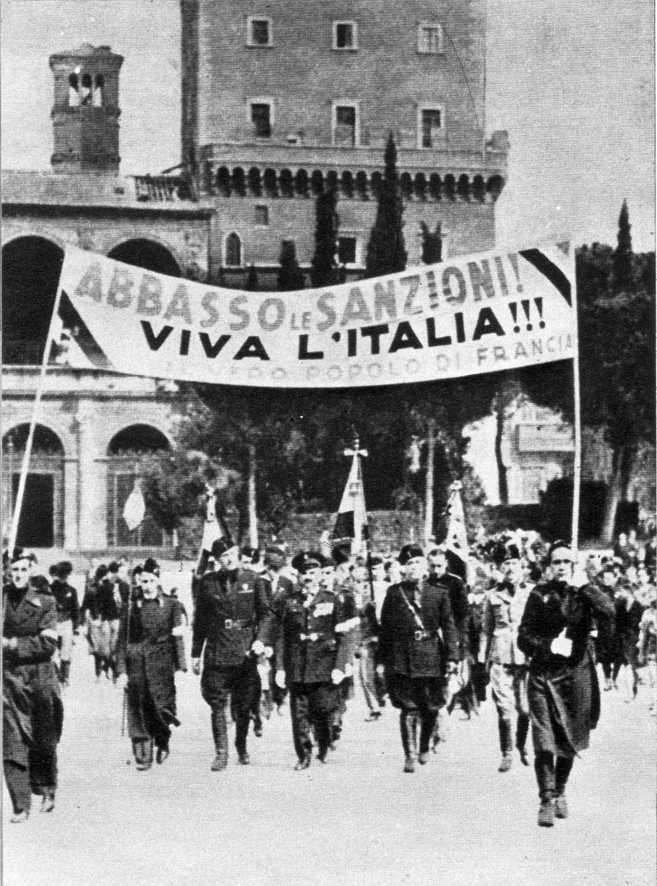 Manifestazione a Roma contro le sanzioni.