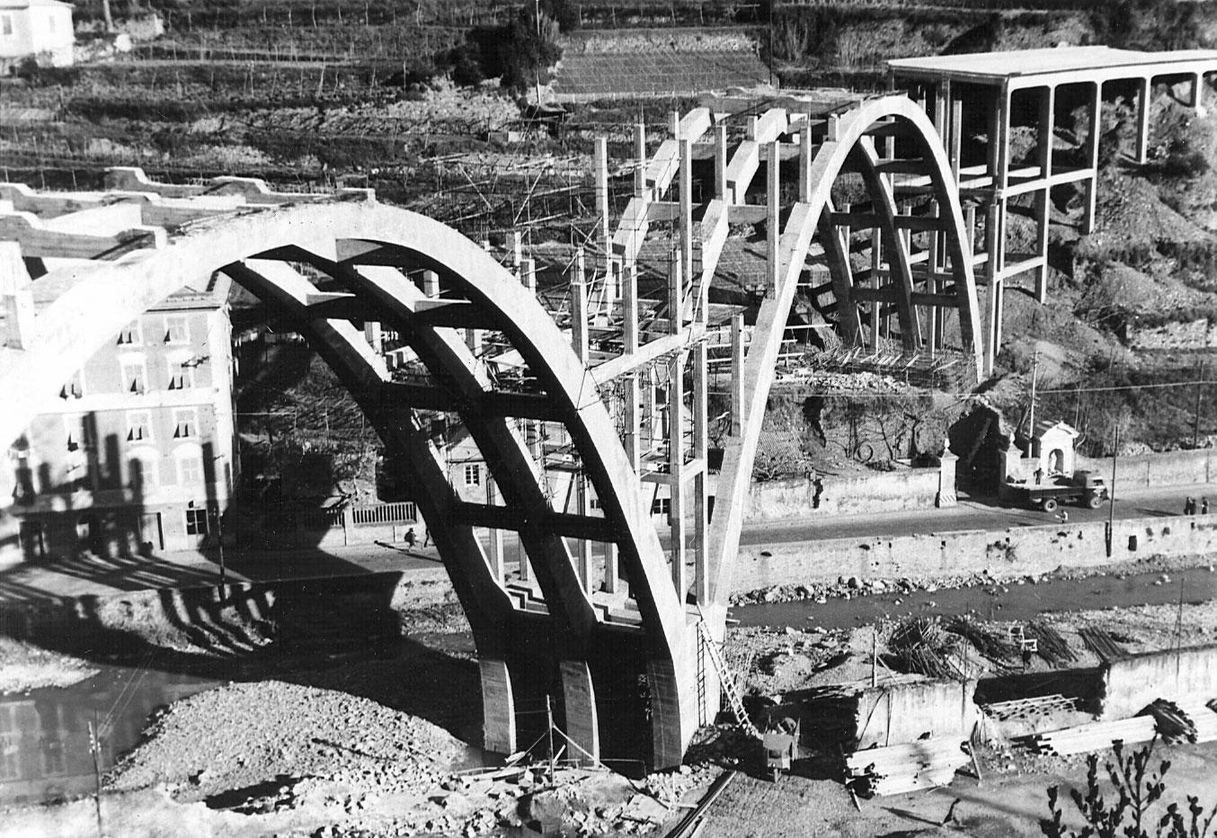 Liguria, autostrada A10 Genova-Savona nel comune di Voltri, 1955 (Archivio storico Anas)