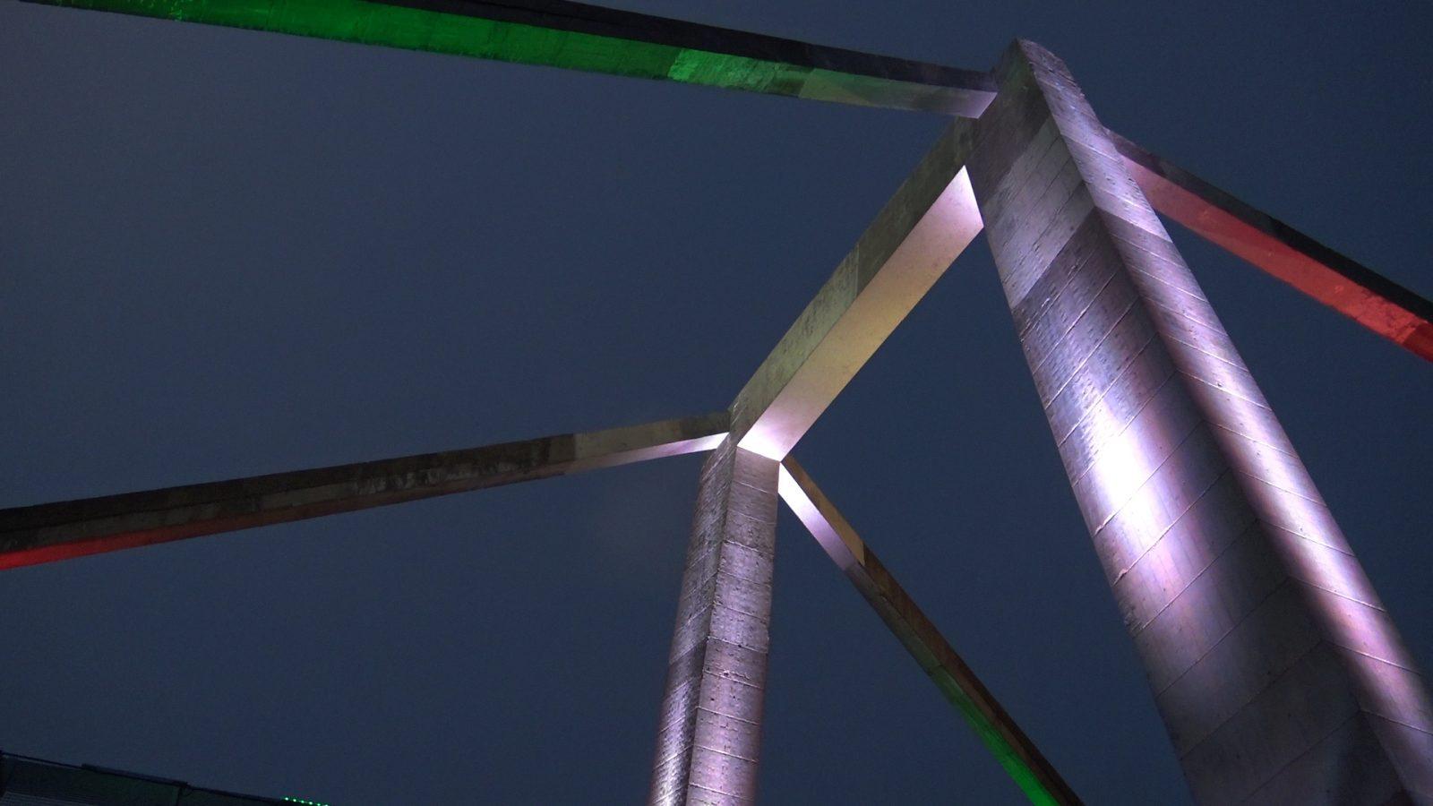 Autostrada Roma – Aeroporto di Fiumicino, illuminazione del viadotto sull'ansa del Tevere progettato da Riccardo Morandi (Archivio storico Anas)