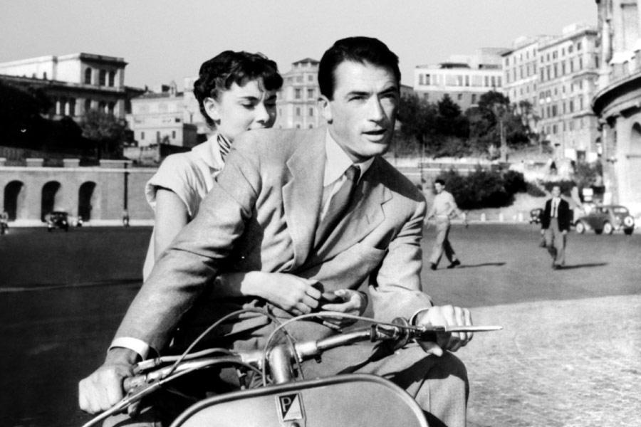 La Vespa è protagonista di Vacanze romane, film del1953diretto daWilliam Wyler, interpretato daGregory PeckeAudrey Hepburn