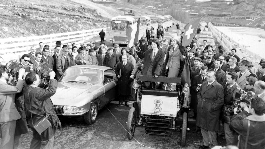 Inaugurazione del Traforo del Gran San Bernardo (fonte: letunnel.com)
