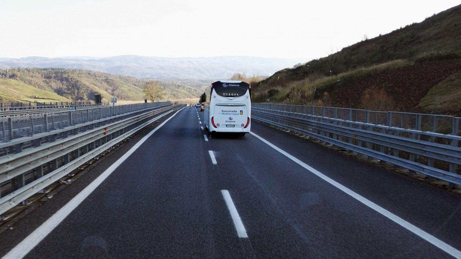 In viaggio lungo la nuova Autostrada del Mediterraneo dopo i lavori di ammodernamento (Archivio storico Anas)
