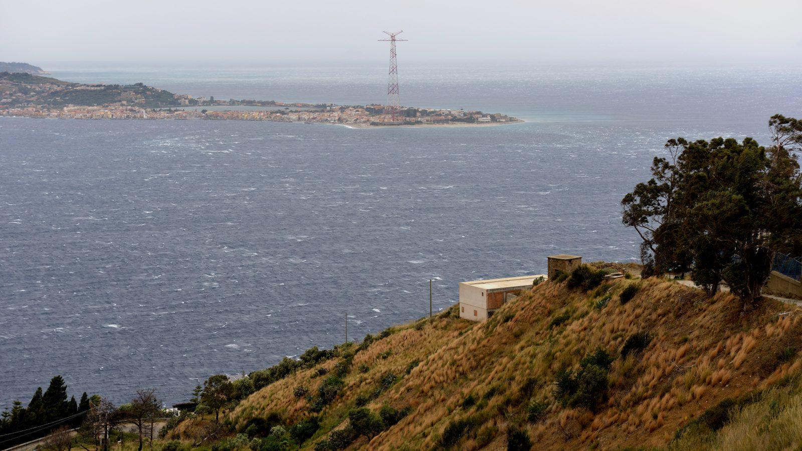 Vista dello Stretto di Messina, località Pilone (Archivio storico Anas)