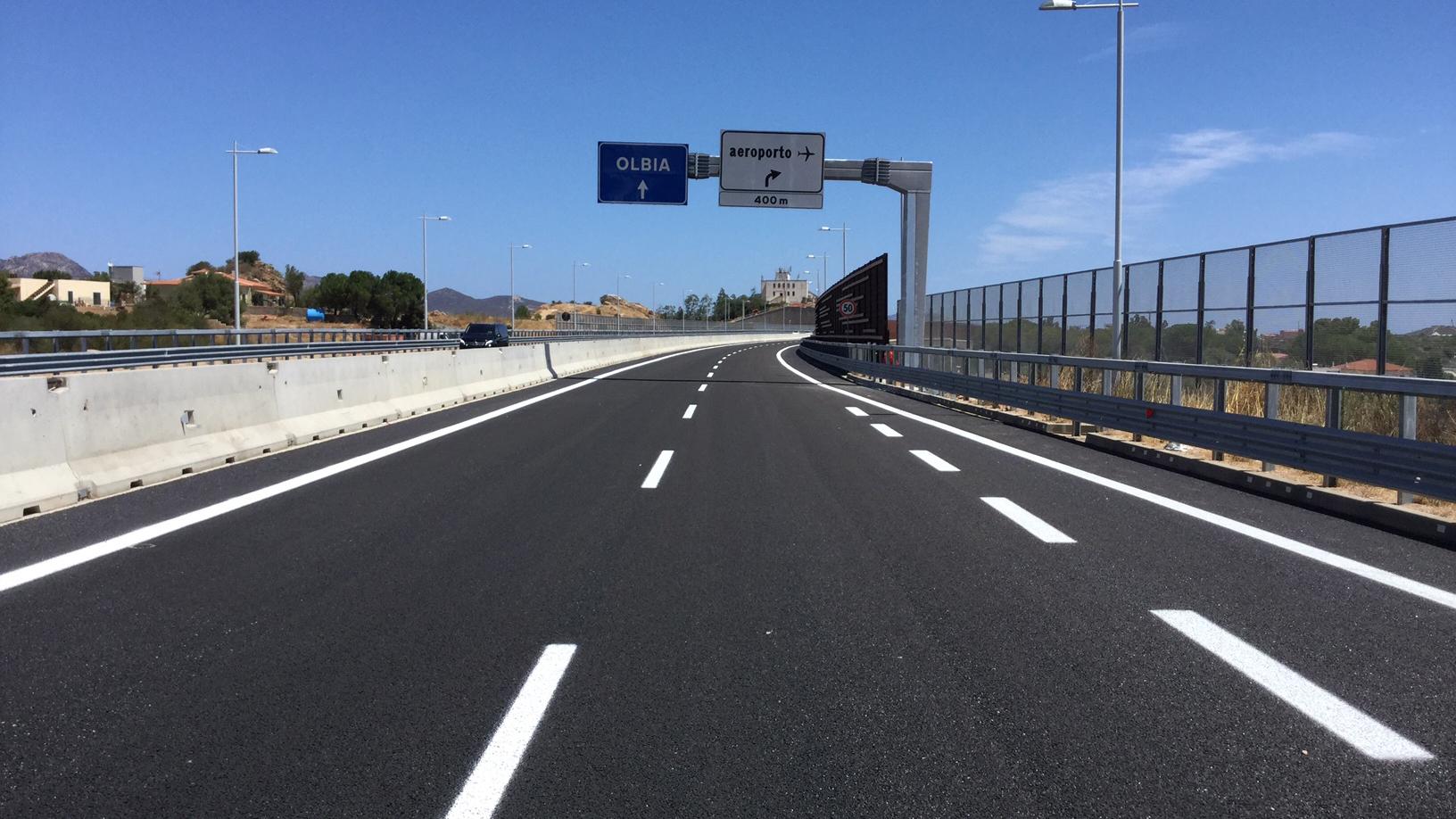 Strada statale 729 Sassari-Olbia, svincolo per l'aeroporto di Olbia (Archivio storico Anas)