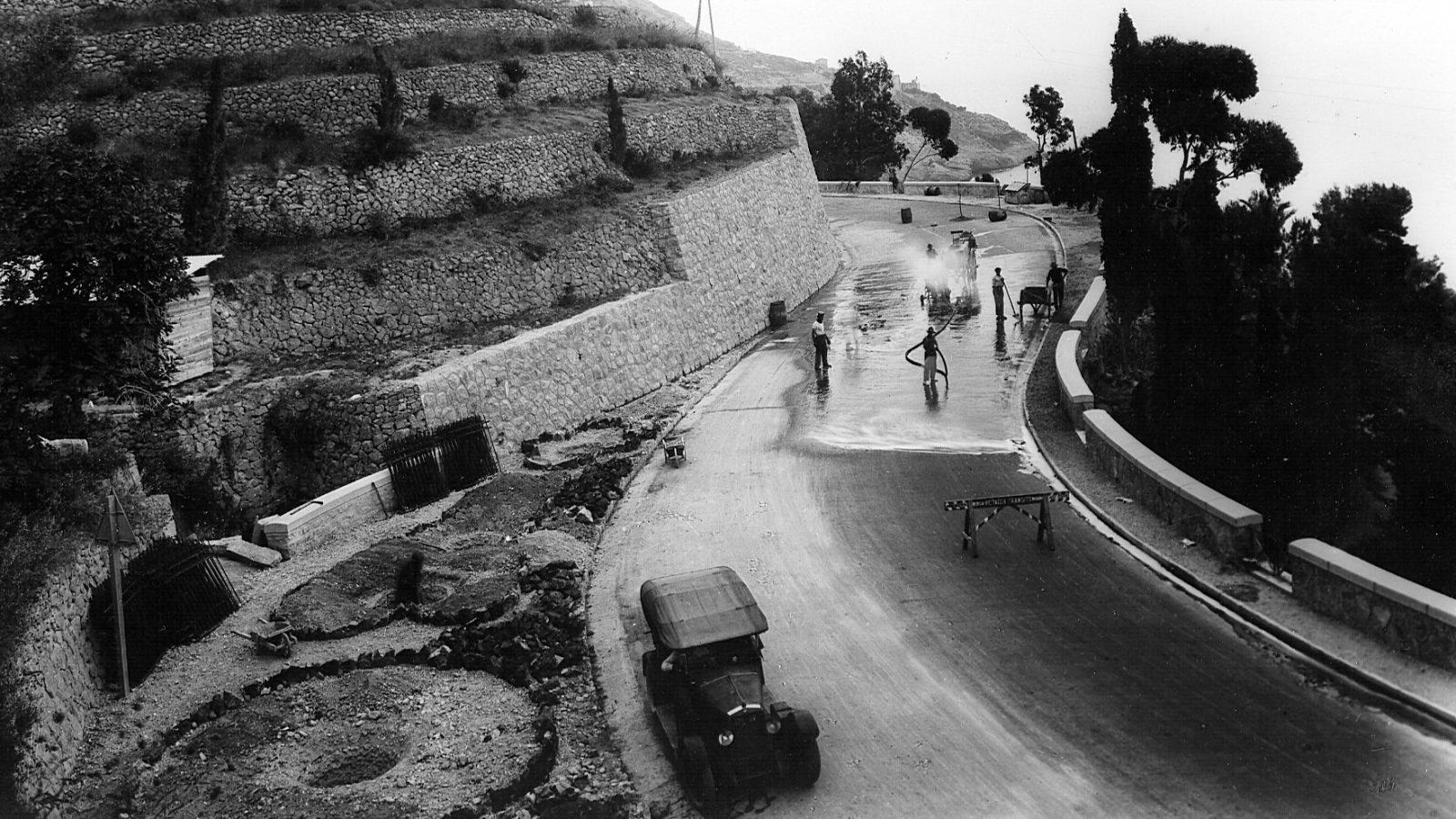 """Strada statale 1 """"Via Aurelia"""", manutenzione e allargamento sede stradale presso Ventimiglia, 1930 (Archivio storico Anas)"""