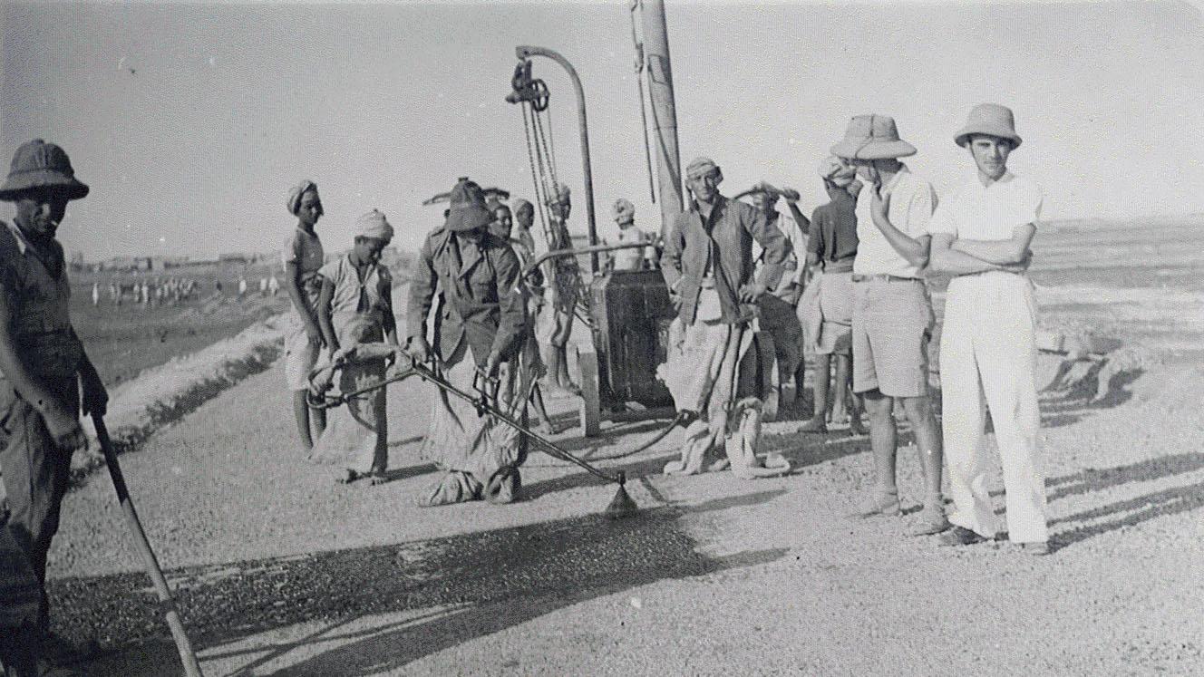 Strada Imperiale n 4, Strada della Dancalia – bitumatura, 1937 (Archivio storico Anas)