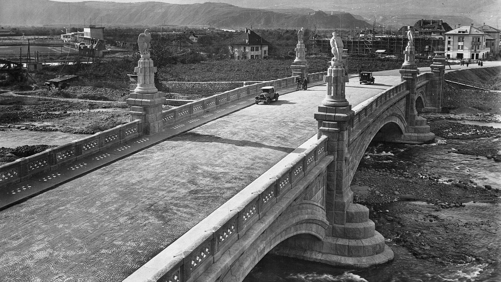 Ponte Druso sulla Talvera a Bolzano visto dall'alto, 1930 (Archivio storico Anas)
