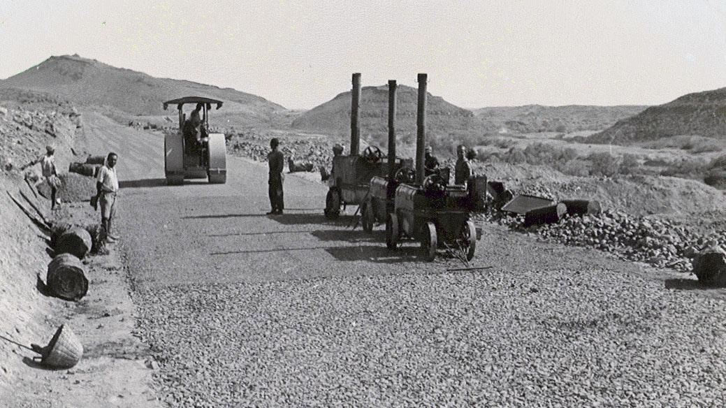 Strada Imperiale n 4, Strada della Dancalia, bitumatura – 1938 (Archivio storico Anas)