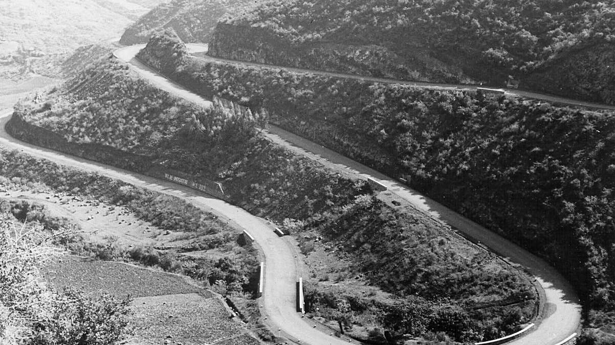 Strada Imperiale n 2 Asmara – Addis Abeba (Strada della Vittoria), 1937 (Archivio storico Anas)