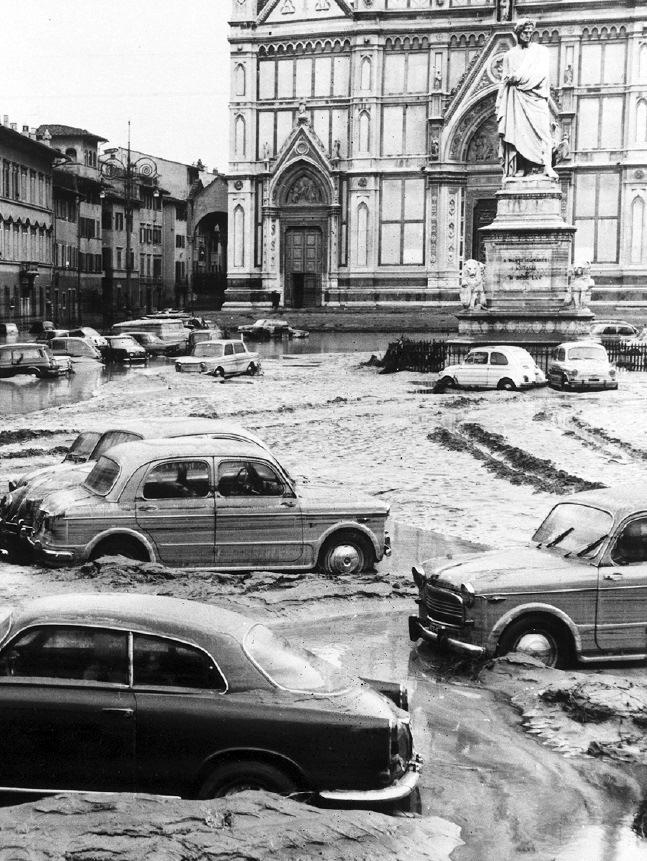 L'alluvione di Firenze nel 1966 (fonte: Ansa, La strada racconta, 2018)