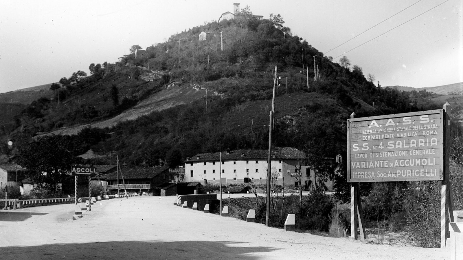 """Segnaletica di cantiere sulla strada statale 4 """"Via Salaria"""", variante di Accumoli"""