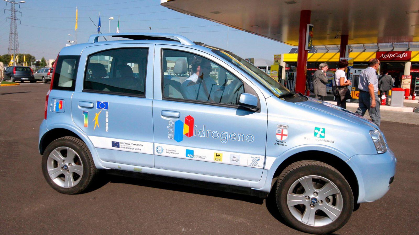 Fiat Panda alimentata a idrogeno (fonte: Imagoeconomica)