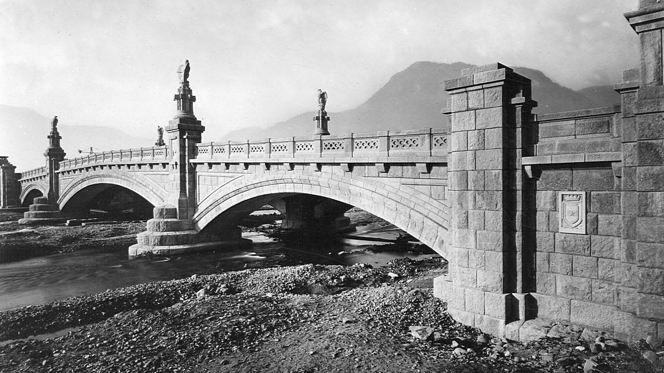 Ponte Druso sulla Talvera a Bolzano visto da valle, 1930 (Archivio storico Anas)