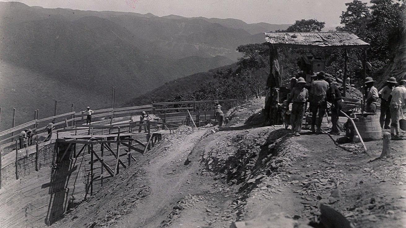 Strada Imperiale n 2, Strada del Lago Tana – muraglione di sostegno (Archivio storico Anas)