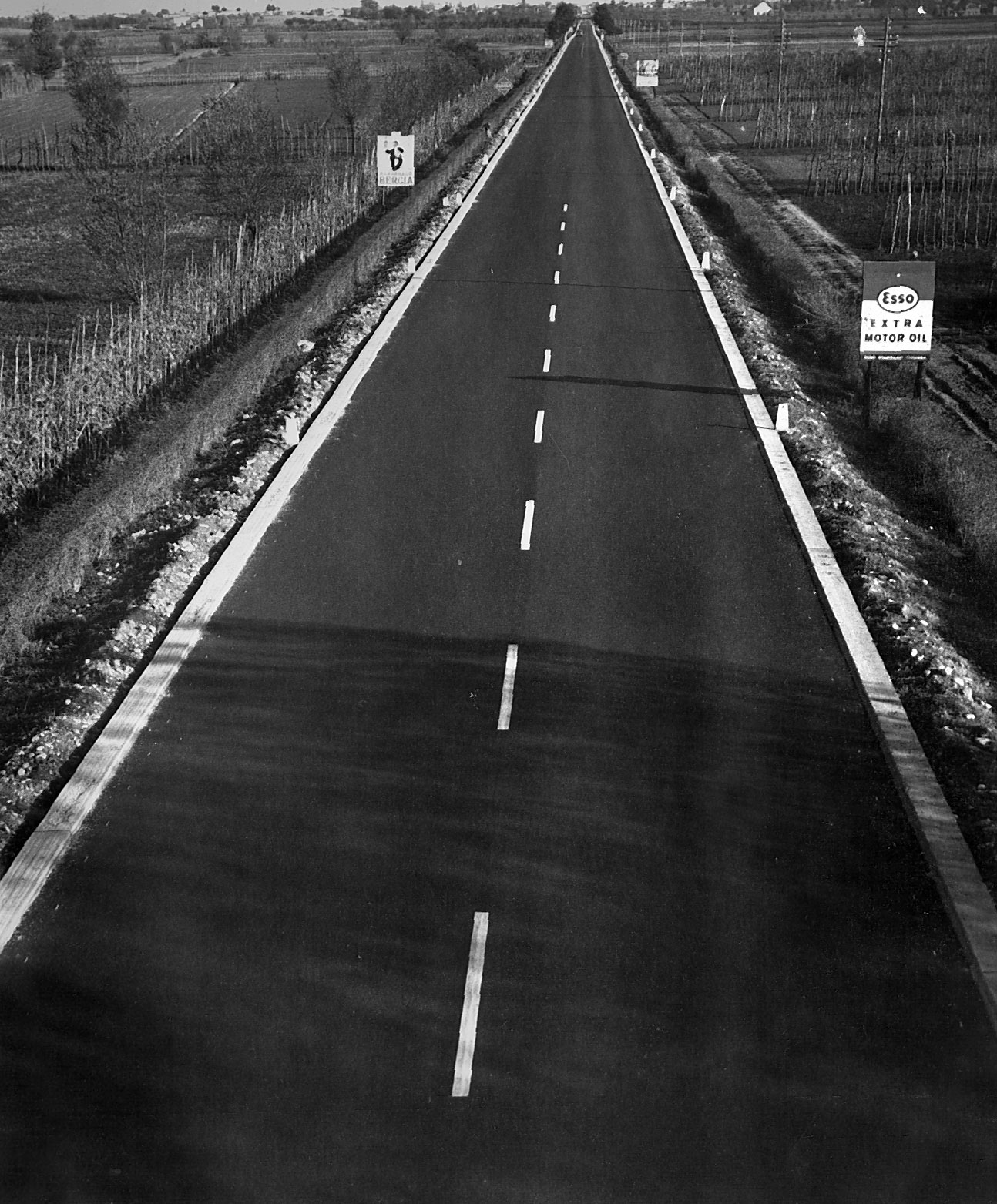 un tratto dell'autostrada Firenze – Mare, 1959 (Archivio storico Anas)