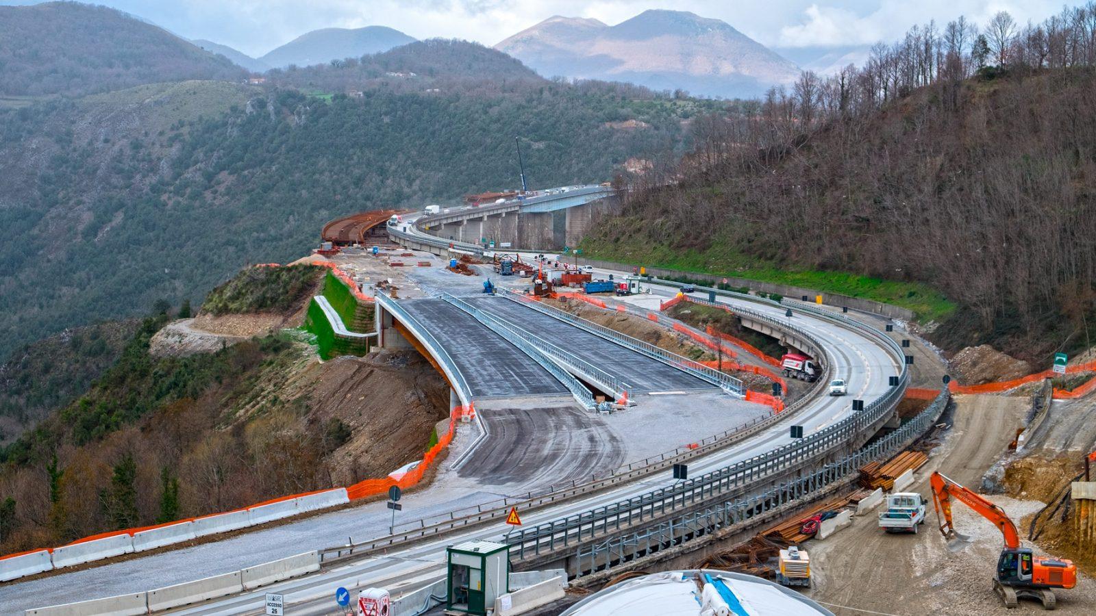 A3 Salerno – Reggio Calabria, Macrolotto 3.2, lavori in corso sui viadotti Filomato e Italia (Archivio storico Anas)