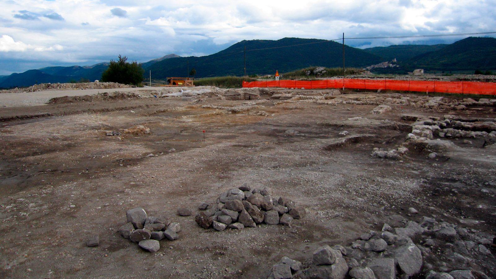 Abruzzo, area archeologica di età romana in corrispondenza dello svincolo di Navelli, sulla statale 17 (Archivio storico Anas)