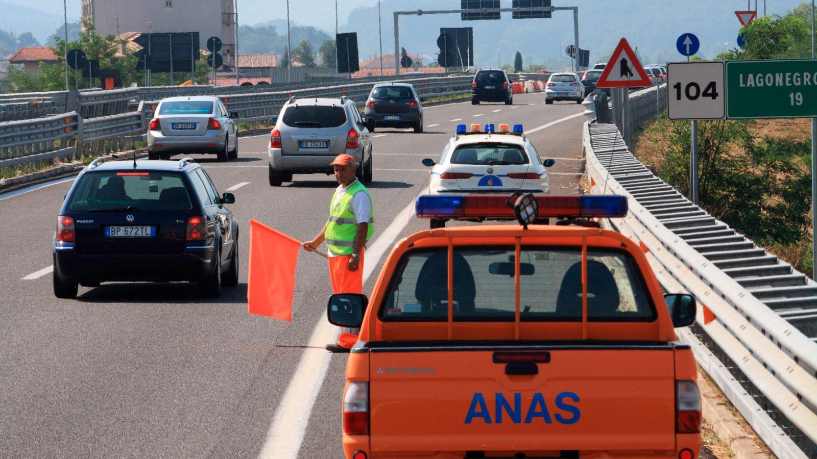 A3 autostrada Salerno-Reggio Calabria, personale Anas impegnato nella gestione della viabilità (Archivio storico Anas)