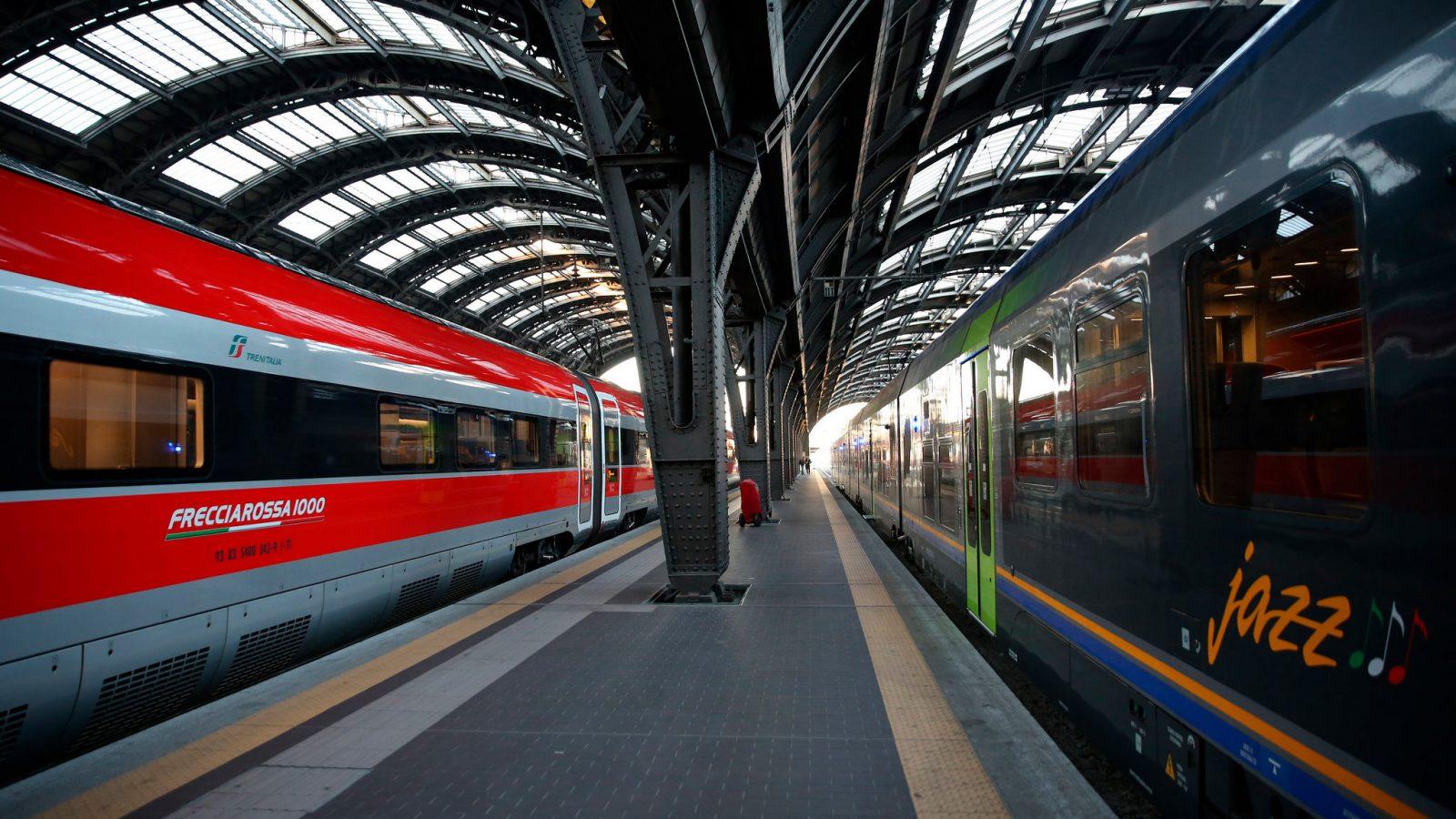 Treni Frecciarossa 1000 e Jazz in stazione (fonte: Ferrovie dello Stato Italiane)
