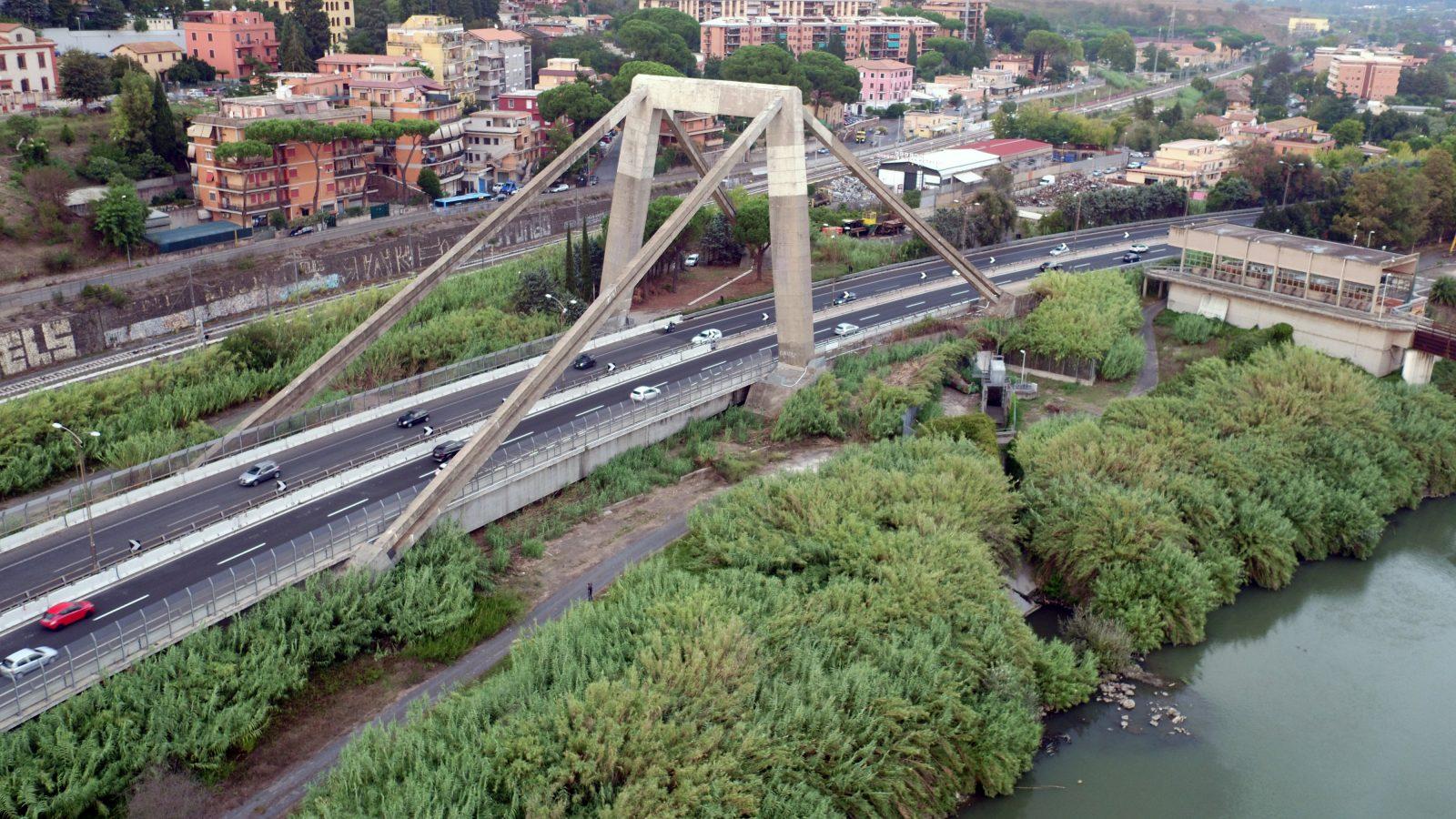 """Autostrada Roma - Aeroporto di Fiumicino, Viadotto """"Morandi"""" (Archivio storico Anas,2012)"""