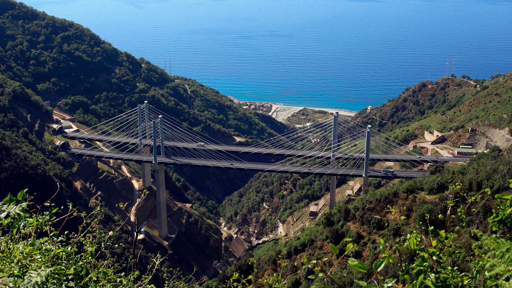 A2 Autostrada del Mediterraneo, viadotto Favazzina (Archivio storico Anas)