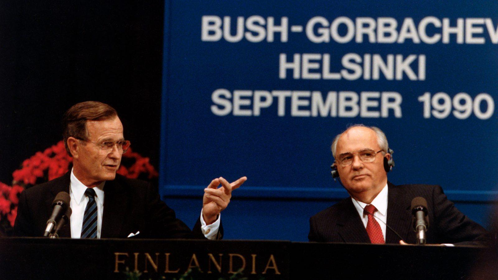 Conferenza stampa di George H. W. Bush e Mikhail Gorbaciov al Vertice di Helsinki, in Finlandia, il 9 settembre 1990